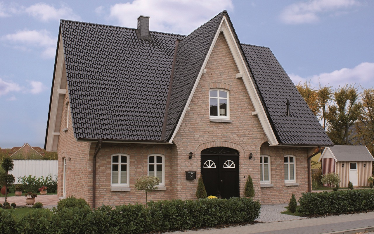 breyer seck bau casa frisia friesenhaus sprossenfenster giebelschmuck. Black Bedroom Furniture Sets. Home Design Ideas